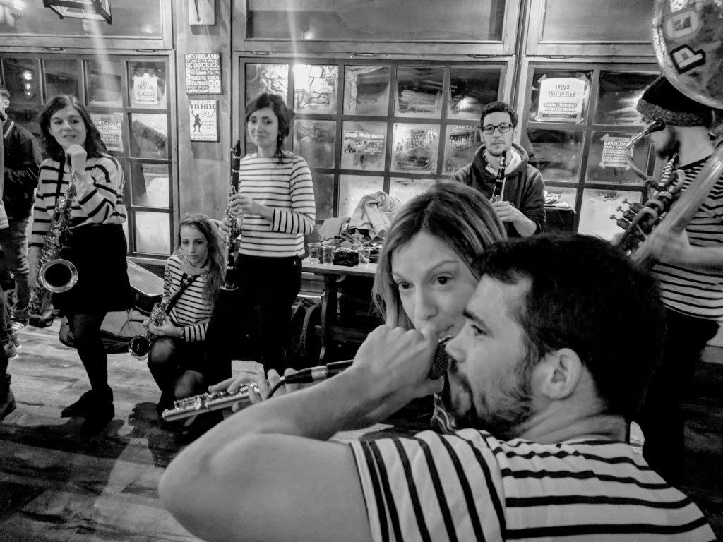 Tignes . Tom Crean's Pub