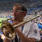 Surnommé aussi le chauffeur de stade, Antoine coulisse haut et fort pour honorer les couleurs de la fanfare !!!